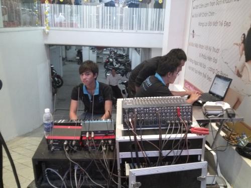 """Những trải nghiệm về """"âm thanh chuyên nghiệp"""" Cho thuê âm thanh ánh sáng tại TPHCM"""